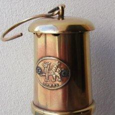 Antigüedades: PEQUEÑA LAMPARA DE MINAS DE LATON, CYMRU, MADE IN WALES (17CM APROX). Lote 126858015