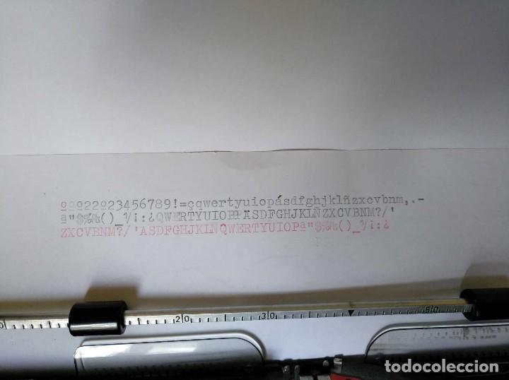 Antigüedades: MAQUINA DE ESCRIBIR OLYMPIA TRAVELLER DE LUXE CON SU MALETIN TYPEWRITER COLOR VERDE - Foto 10 - 126909871