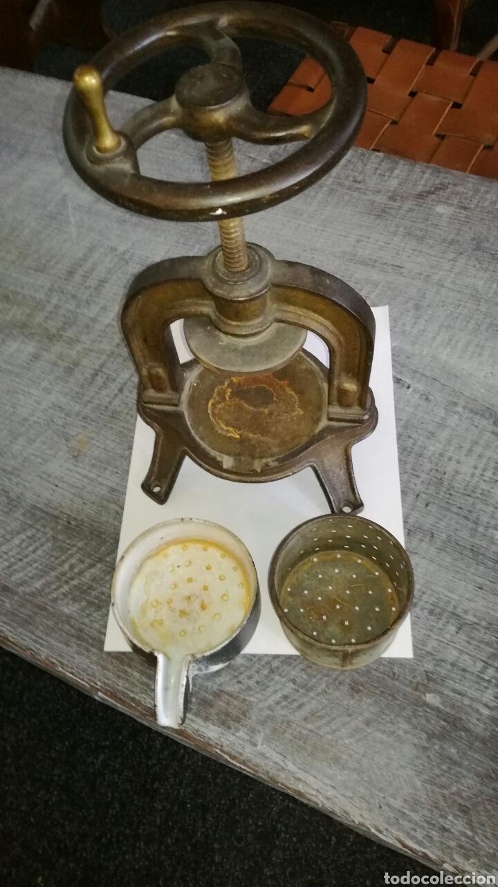 Antigüedades: Prensa pequeña de laboratorio medico - Foto 3 - 126975683
