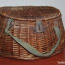 Antigüedades: ANTIGUA CESTA DE PESCA DE CAÑA O MIMBRE. Lote 127004431