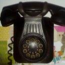 Teléfonos: ANTIGUO TELEFONO DE PARED DE BAQUELITA DE LOS AÑOS 50 CON MARCADOR MUY RARO FUNCIONANDO. Lote 127005599