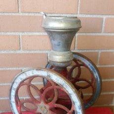 Antigüedades: ANTIGUO MOLINILLO DE CAFE DE DOS VOLANTES MARCA SIMPLEX Nº 4 EN SU ESTADO ORIGINAL FUNCIONA. Lote 127233131