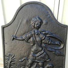 Antiguidades: PLACA CHIMENEA HIERRO FUNDIDO ANTIGUA. Lote 127411059
