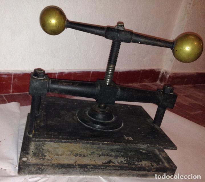 Antigüedades: Antigua prensa para libros - Foto 2 - 127569151