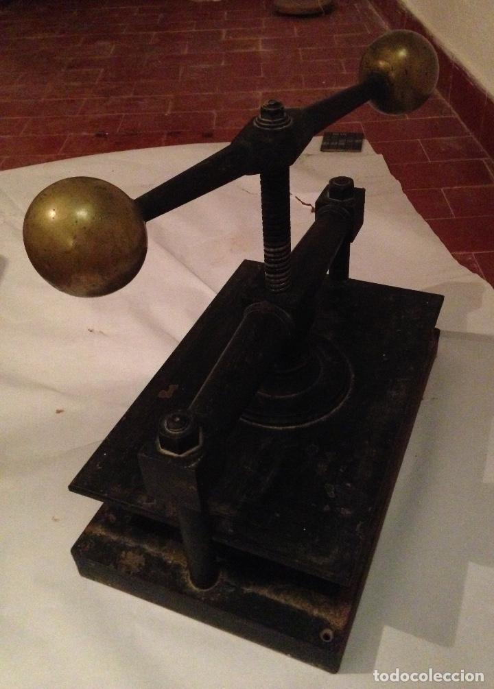 Antigüedades: Antigua prensa para libros - Foto 4 - 127569151