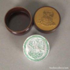 Antigüedades: CINTA DE MÁQUINA DE ESCRIBIR DE PELIKAN EN SU CAJA DE BAQUELITA ORIGINAL. 1920 - 1930 (BRD). Lote 127583279