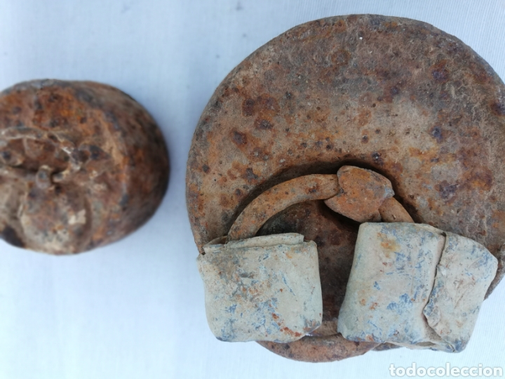 Antigüedades: JUEGO 2 PESAS. PONDERALES ANTIGUAS DE HIERRO. 2 Y 0,5 KG. - Foto 4 - 127613612