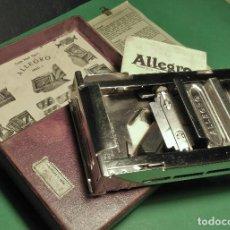 Antigüedades: ALLEGRO - MOD. L MAQUINILLA AFILAR HOJAS DE AFEITAR, SAFETY RAZOR, BARBERO, AFILADOR. Lote 127659163