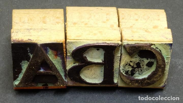 Antigüedades: 1900/1920 Equipo de imprenta casero (Imprentilla) con letras estilo Times y Dedo que señala - Foto 3 - 127660091