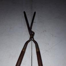 Antigüedades: PINZAS DE PELUQUERÍA PARA REALIZAR RIZOS. Lote 127667042