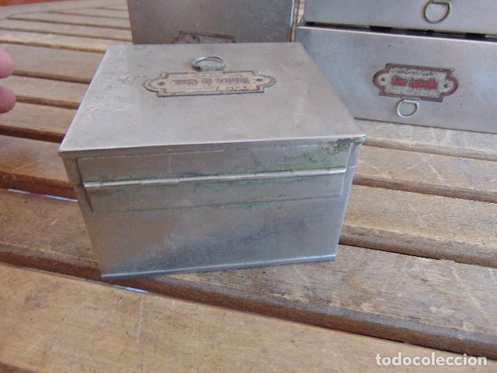Antigüedades: LOTE DE 7 ANTIGUAS CAJAS EN METAL DE MEDICO DENTISTA O SIMILAR , MARCADAS DIFERENTES MEDIDAS - Foto 5 - 127749299