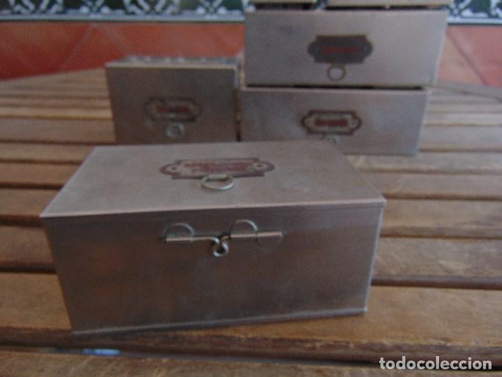 Antigüedades: LOTE DE 7 ANTIGUAS CAJAS EN METAL DE MEDICO DENTISTA O SIMILAR , MARCADAS DIFERENTES MEDIDAS - Foto 9 - 127749299