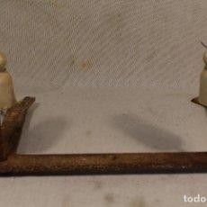 Antigüedades: 2 AISLADORES PORCELANA. Lote 127808523