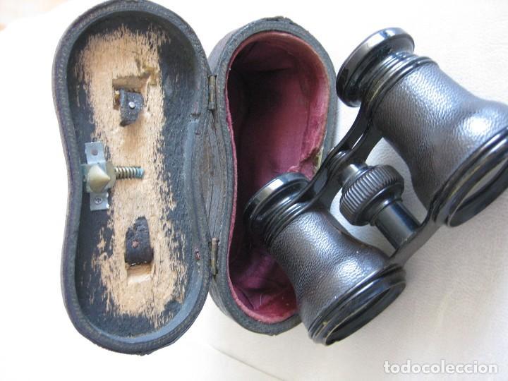 Antigüedades: BINOCULARES, PRISMÁTICOS DETEATRO, FORRADOS EN PIEL, AÑOS 40 CON SU CAJA ORIGINAL DE PIEL - Foto 4 - 128011219