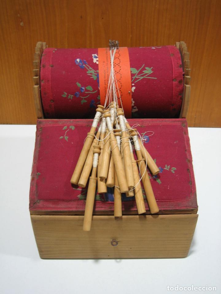 ANTIGUA CAJA PARA HACER BOLILLOS (Antigüedades - Técnicas - Herramientas Antiguas - Otras profesiones)