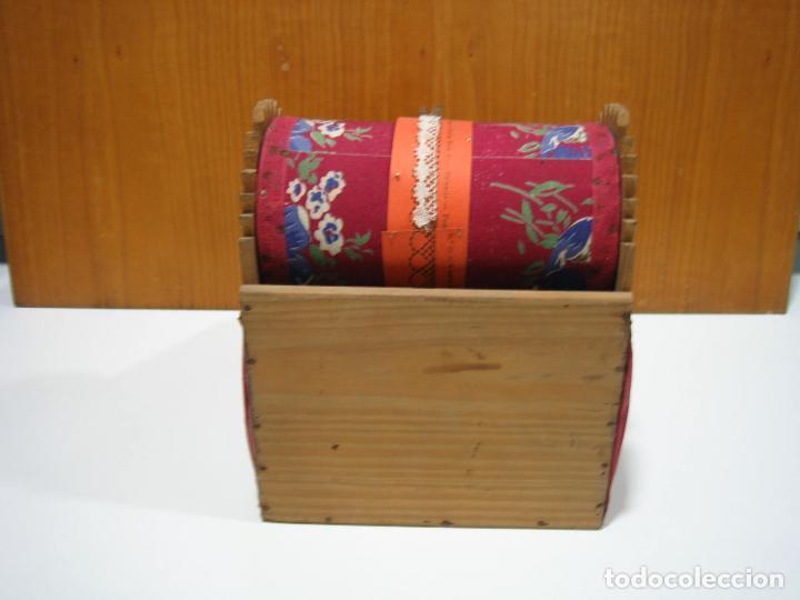 Antigüedades: Antigua caja para hacer bolillos - Foto 6 - 128021383