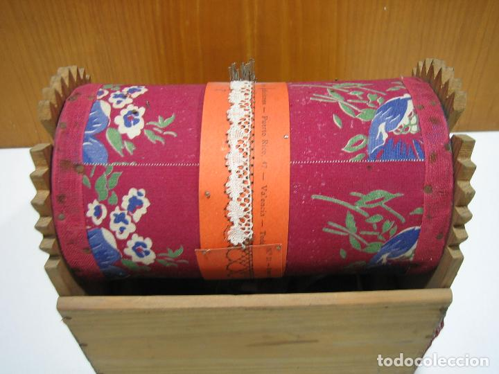 Antigüedades: Antigua caja para hacer bolillos - Foto 7 - 128021383