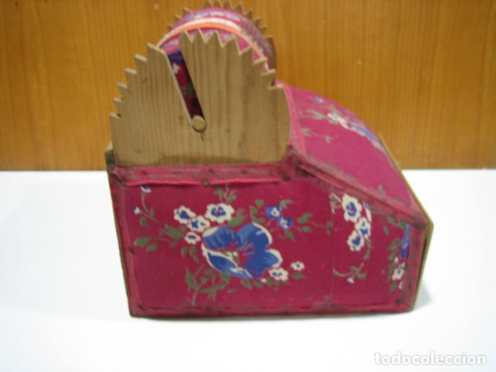 Antigüedades: Antigua caja para hacer bolillos - Foto 8 - 128021383