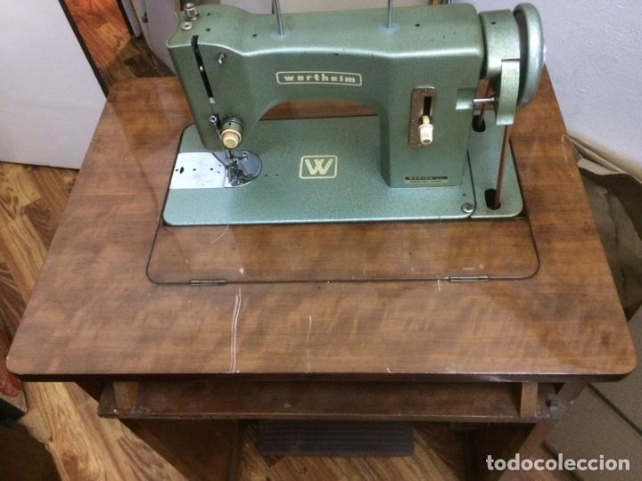 Antigüedades: Mueble maquina de coser Wertheim - Foto 3 - 128060746