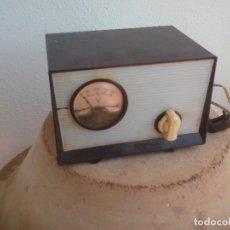Antigüedades: ANTIGUO CREO QUE ELEVADOR-REDUCTOR DE TENSIÓN HERLO TV. PARA TELEVISIÓN, TRANSFORMADOR DE CORRIENTE. Lote 128150431