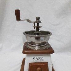 Antigüedades: ANTIGUO MOLINILLO DE CAFÉ PORCELANA MADERA METAL. Lote 128186931