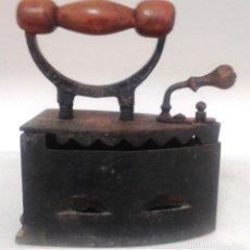 Antigüedades: PLANCHA HIERRO PARA CARBÓN. Lote 128395039