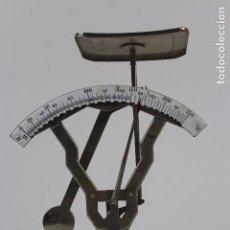 Antigüedades: BASCULA DE ACERO INOXIDABLE .MARCA JMAZ.MEDIADOS DE SIGLO XX.. Lote 128528359
