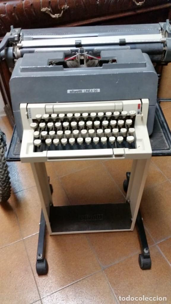 MÁQUINA DE ESCRIBIR OLIVETTI LÍNEA 98 CON SU MESA ORIGINAL (Antigüedades - Técnicas - Máquinas de Escribir Antiguas - Olivetti)