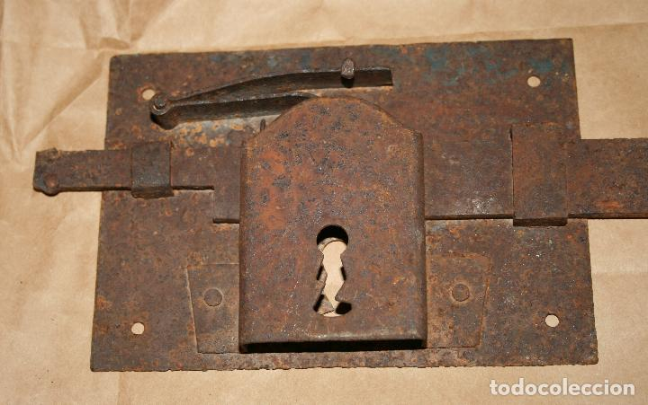 Antigüedades: Antigua cerradura de forja sin llave - Foto 2 - 128558671
