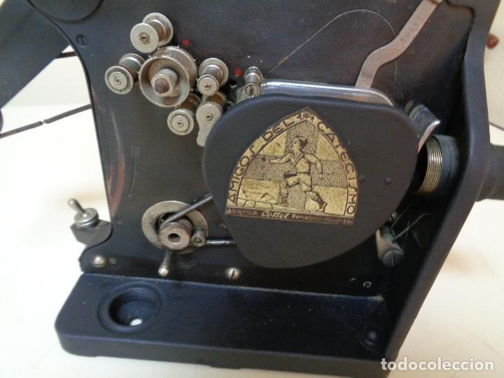 Antigüedades: Proyector películas 16 mm. Kodak modelo D - Foto 2 - 128601663