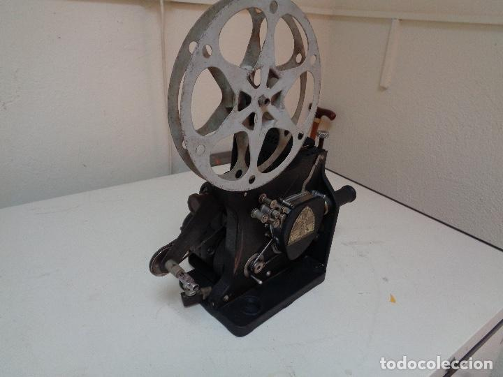 Antigüedades: Proyector películas 16 mm. Kodak modelo D - Foto 3 - 128601663