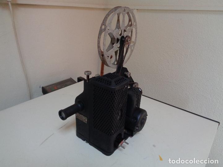 Antigüedades: Proyector películas 16 mm. Kodak modelo D - Foto 5 - 128601663