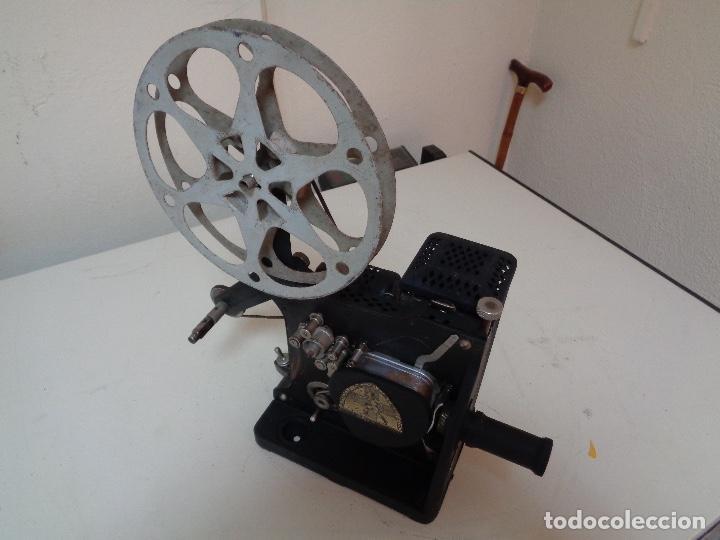 Antigüedades: Proyector películas 16 mm. Kodak modelo D - Foto 6 - 128601663