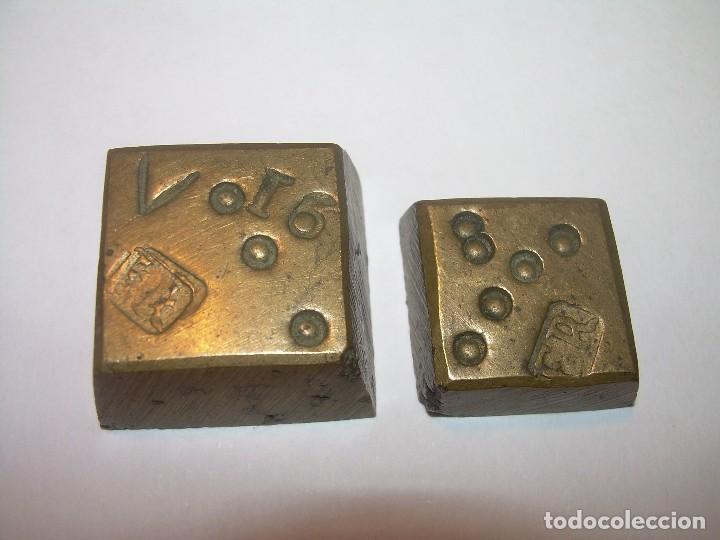 DOS ANTIGUOS PONDERALES DE BRONCE...F.R. (Antigüedades - Técnicas - Medidas de Peso - Ponderales Antiguos)