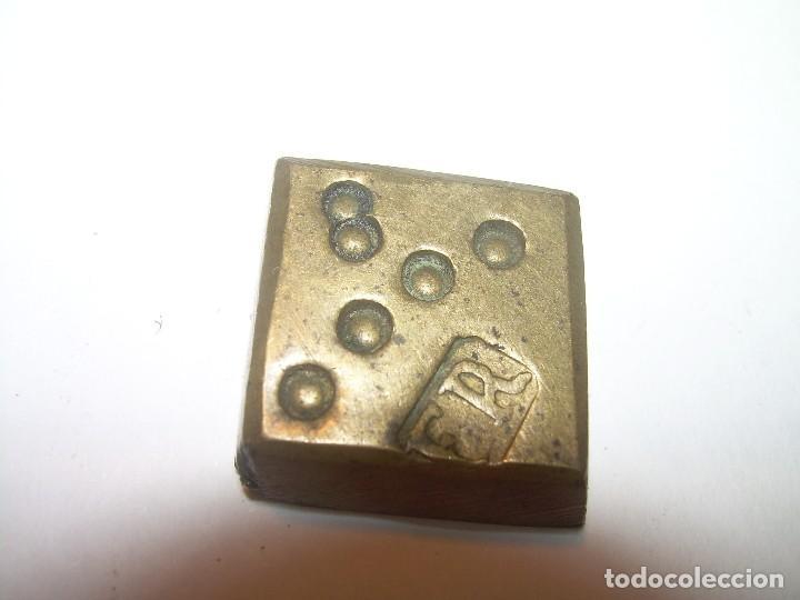 Antigüedades: DOS ANTIGUOS PONDERALES DE BRONCE...F.R. - Foto 4 - 128625015