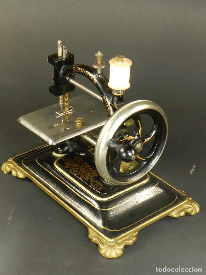 Antigüedades: Antigua máquina de coser Original Express año 1910. PIEZA RARA - Foto 4 - 128665355