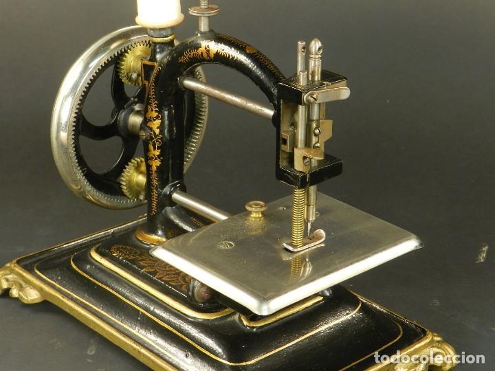 Antigüedades: Antigua máquina de coser Original Express año 1910. PIEZA RARA - Foto 7 - 128665355