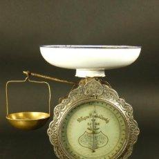 Antigüedades: PRECIOSA BALANZA DE COCINA AÑO 1900 SUECIA. Lote 128684379