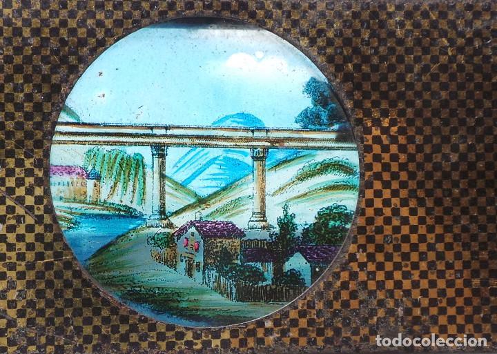 Antigüedades: CRISTAL PARA LINTERNA MÁGICA. FIGURAS MOVILES .- TREN PASANDO POR PUENTE.- FERROCARRIL - Foto 3 - 128709287