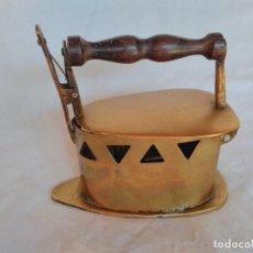 Antigüedades: RARA PLANCHA PARA CARBÓN, FABRICADA EN LATÓN.. Lote 129211159