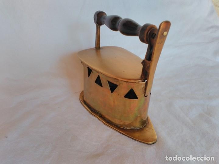 Antigüedades: RARA PLANCHA PARA CARBÓN, FABRICADA EN LATÓN. - Foto 2 - 129211159