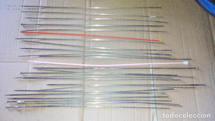 LOTE DE 26 ANTIGUAS AGUJAS DE CALCETA (Antigüedades - Técnicas - Máquinas de Coser Antiguas - Complementos)