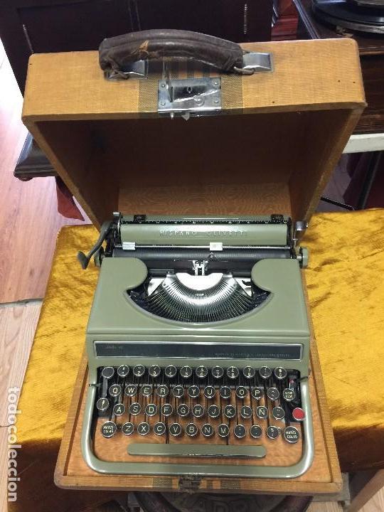 ESPECTACULAR MAQUINA ESCRIBIR PORTATIL AÑOS 4O OLIVETTI (Antigüedades - Técnicas - Máquinas de Escribir Antiguas - Olivetti)