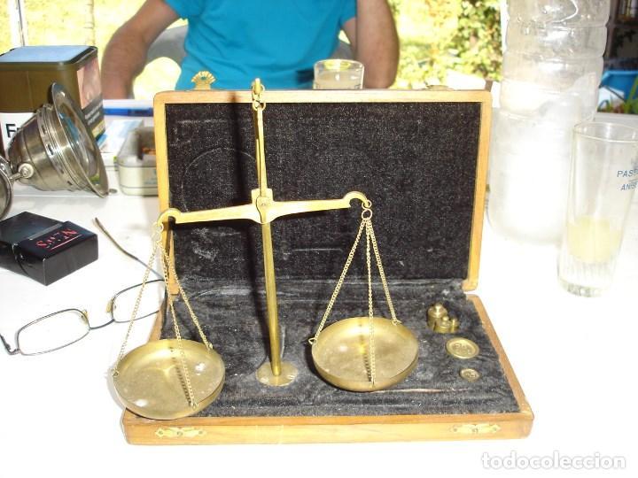 Antigüedades: bonita balanza de precision en su estuche original siglo XIX finales ver fotos - Foto 2 - 129392371