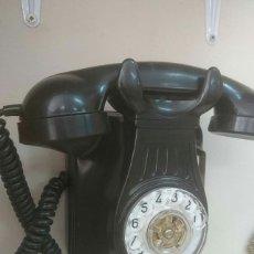 Teléfonos: TELÉFONO ANTIGUO DE BAQUELITA.. Lote 129959147