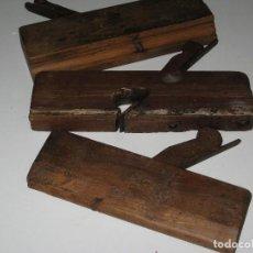 Antigüedades: LOTE DE 3 CEPILLOS DE CARPINTERO ANTIGUOS. Lote 130091891