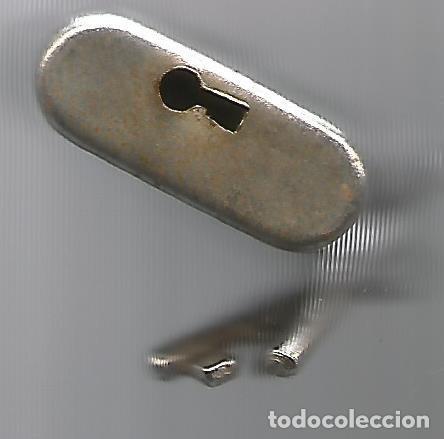 Antigüedades: ANTIGUO CANDADO GRABADO RENFE DOS LLAVES FUNCIONANDO - Foto 5 - 130104799