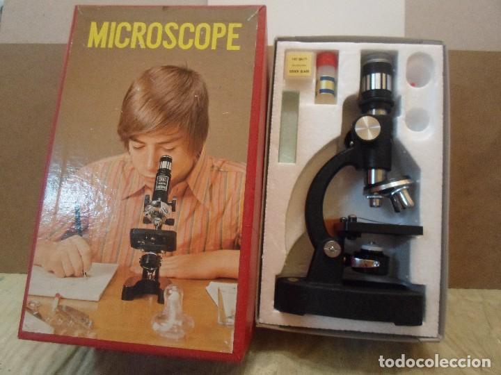PEQUEÑO MICROSCOPIO CON SU CAJA (Antigüedades - Técnicas - Instrumentos Ópticos - Microscopios Antiguos)
