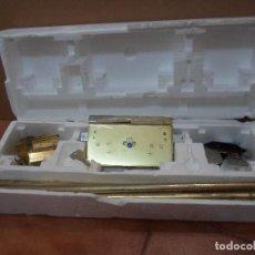 Antigüedades: CERRADURA DE MULTIBARRAS PARA PUERTA. Lote 130246450