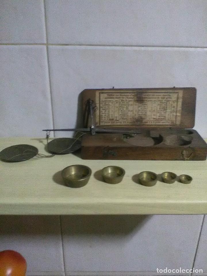 Antigüedades: Estuche pesa monedas S. XIX con tabla de monedas oro y plata en curso diferentes estados de Europa - Foto 4 - 130287886